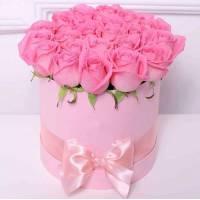 21 розовая роза в светлой коробке R567